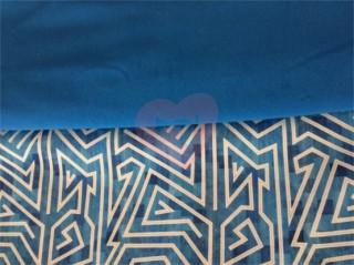 teplákovina modrý labyrint