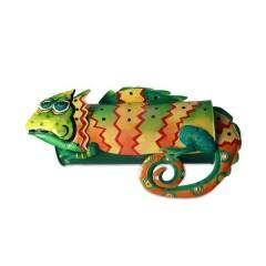 Ručně malovaná poštovní schránka chameleon
